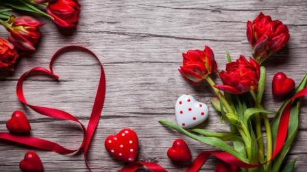 Valentine's Day Gifts for Women and Men